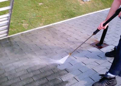 Roof-Cleaning